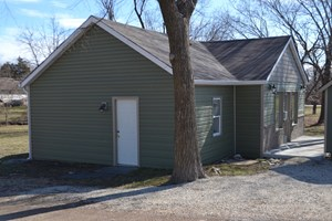 FOR SALE COMMERCIAL BUILDING, POTENTIAL RESIDENCE