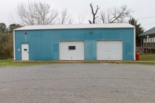 Commercial Building & Lot for Sale in Hohenwald Tennessee