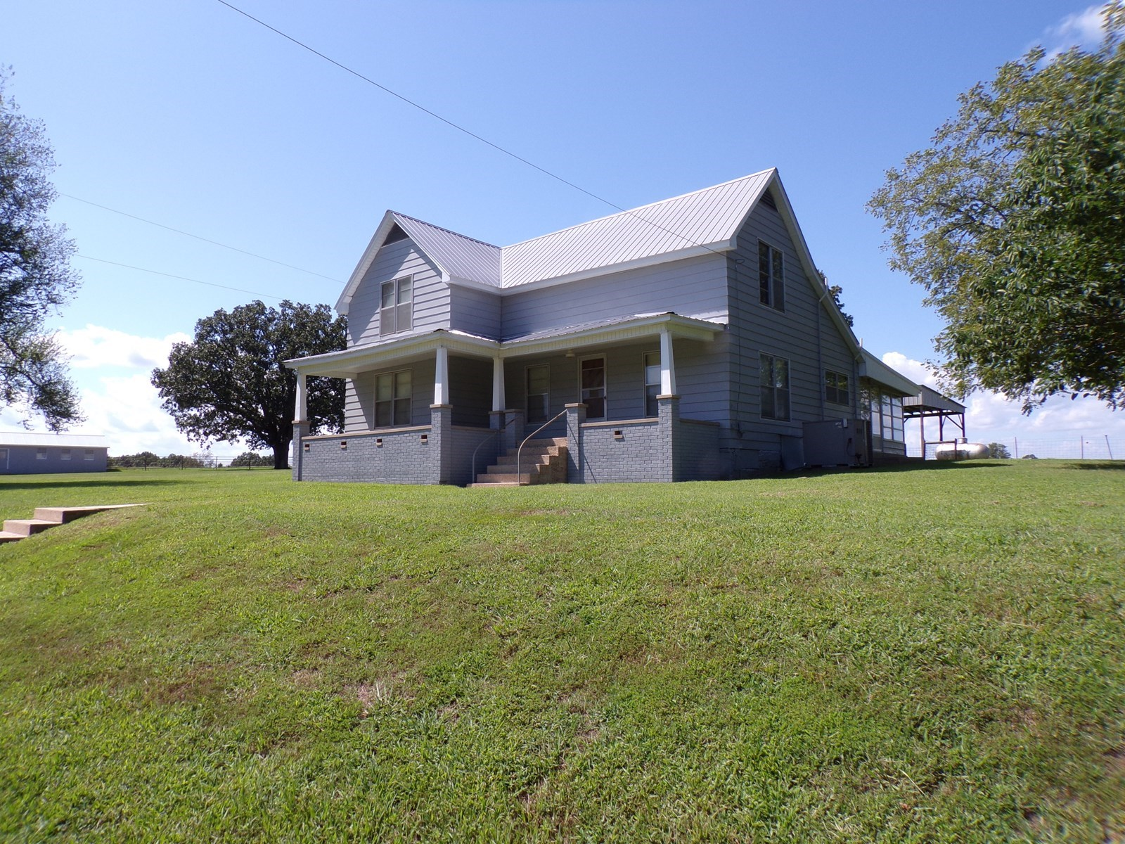 Country Farmhouse with One Acre For Sale Searcy Co Arkansas