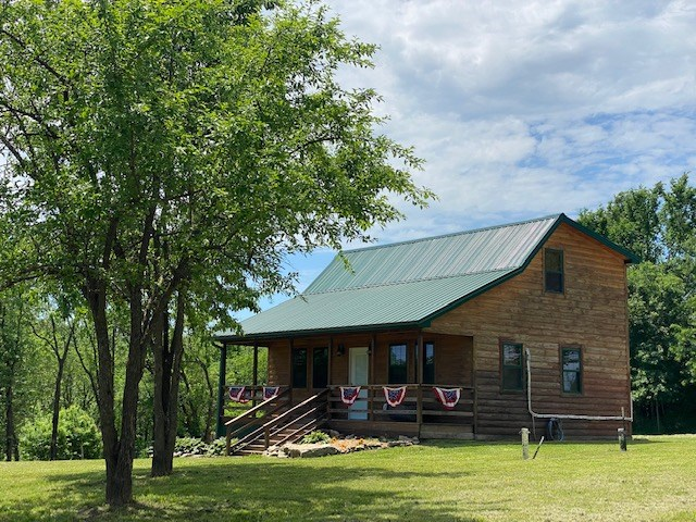 COUNTRY CABIN & SMALL ACREAGE FOR SALE IN CAMERON, MO