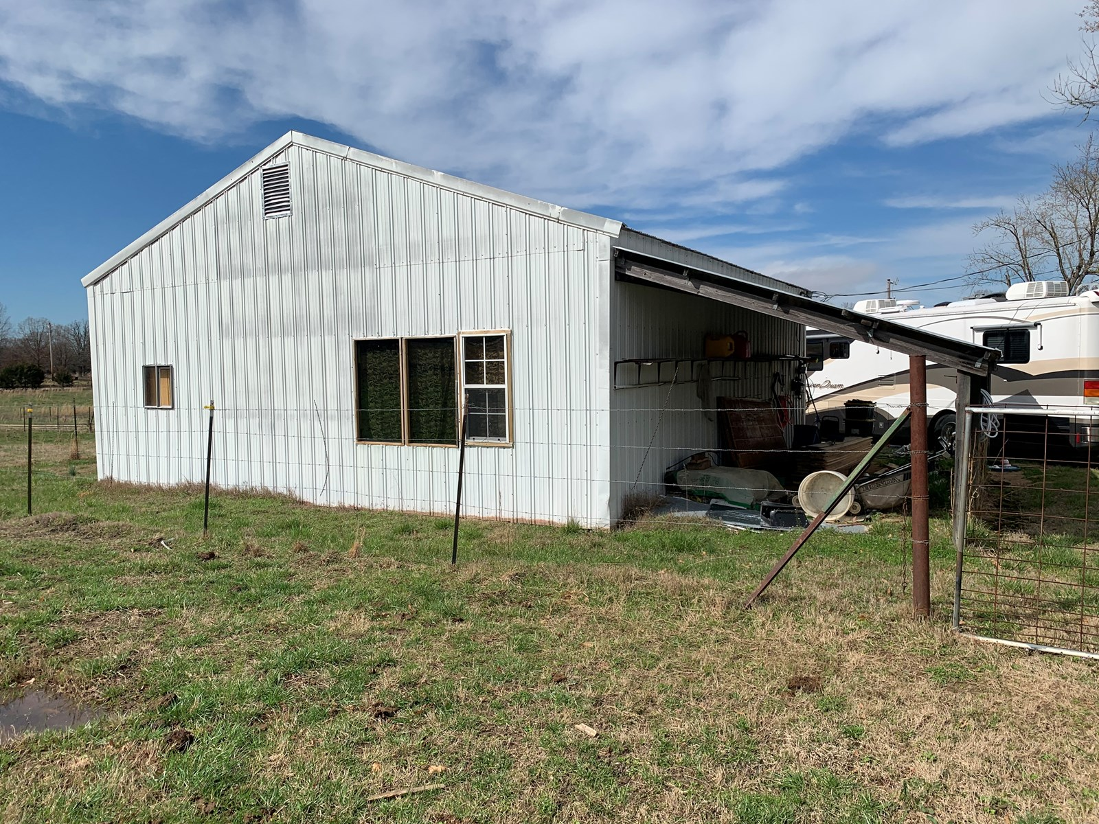 18 ACRE HOBBY FARM WITH CABIN AND SHOP FOR SALE IN MELBOURNE
