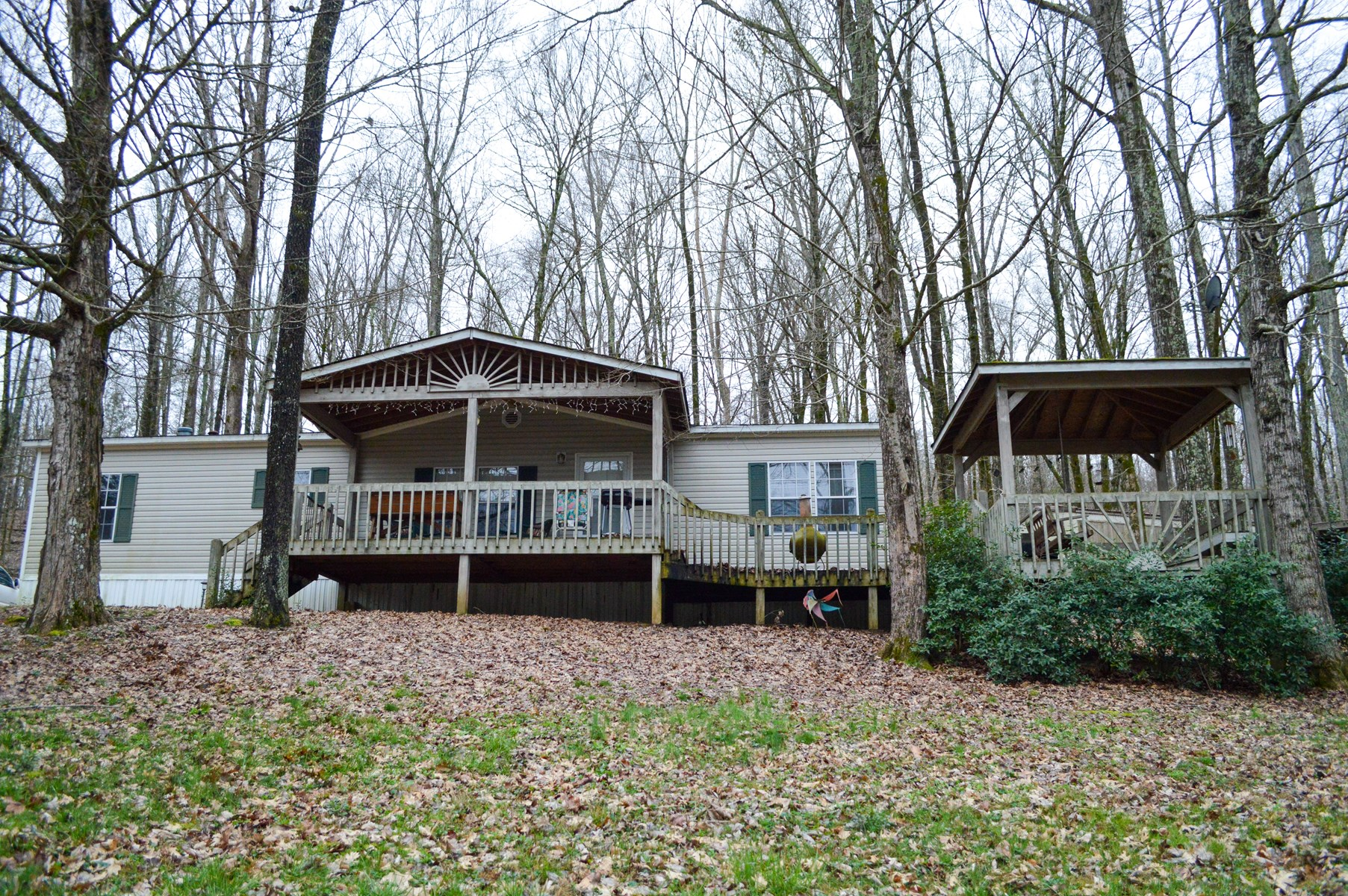 Vacation Home Near TN River for Sale, in Clifton, TN