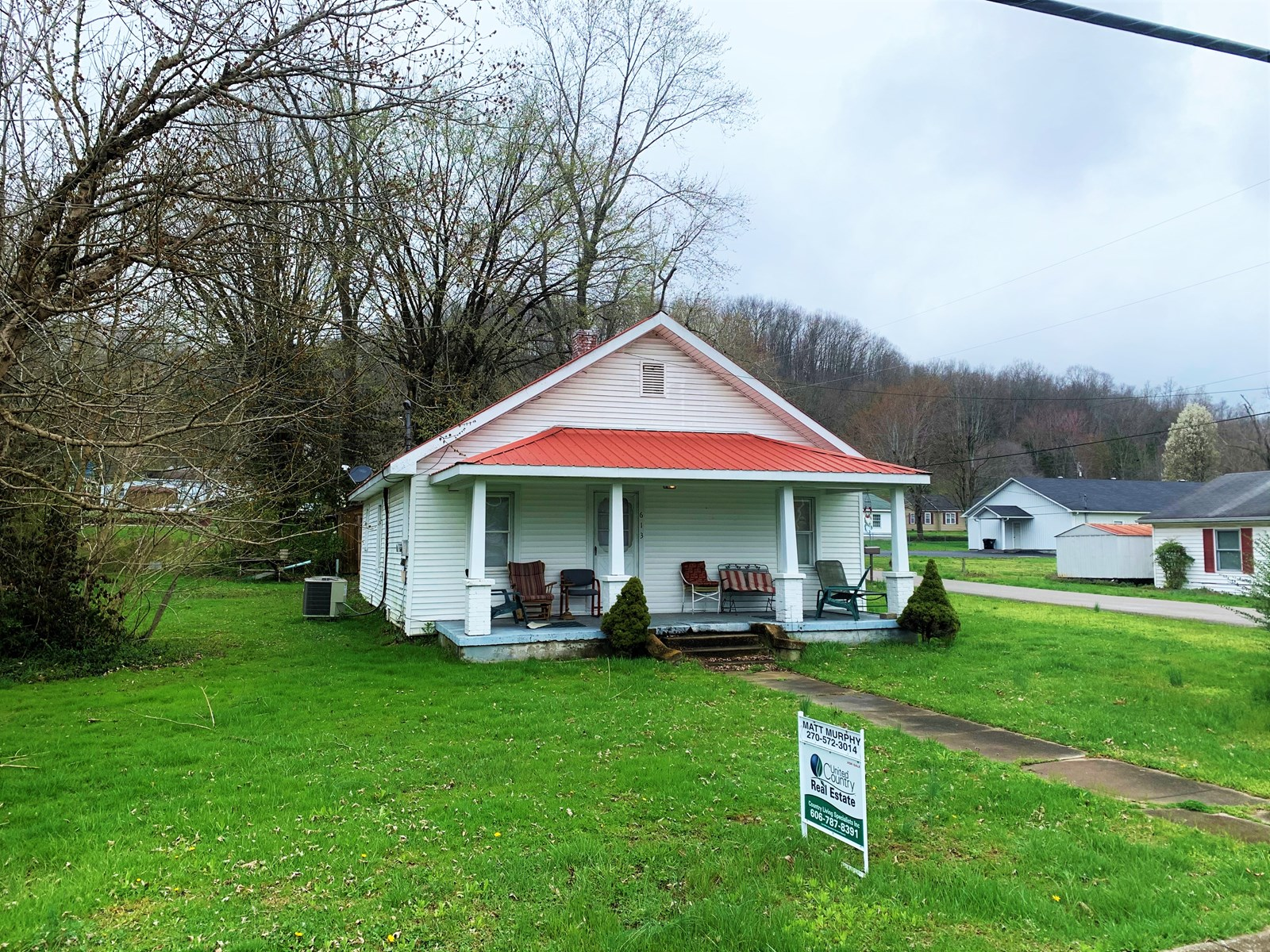HANDYMAN SPECIAL-INVESTMENT IN TOWN - LIBERTY KENTUCKY
