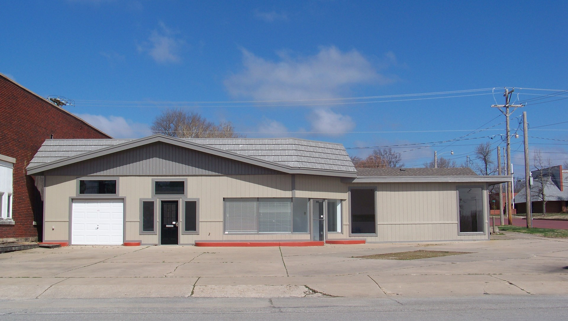 Commercial Building for Sale in Chanute, KS