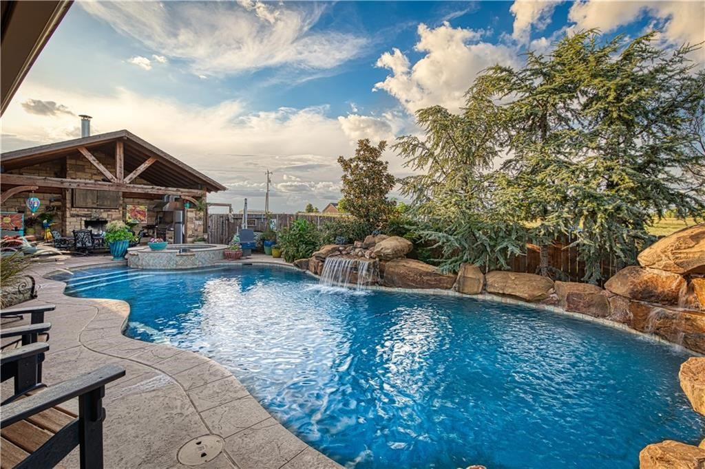 pool and hottub