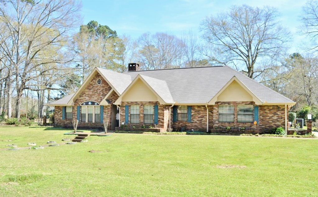 5 BR home for sale in McComb MS