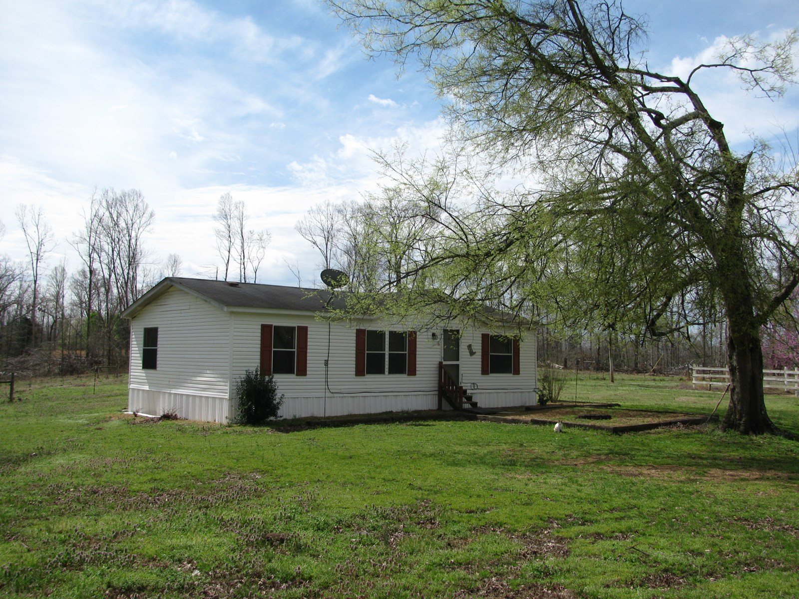 HORSE FARM IN TN FOR SALE, BARN, 9 ACRES, 3 BD/2 BTH HOME