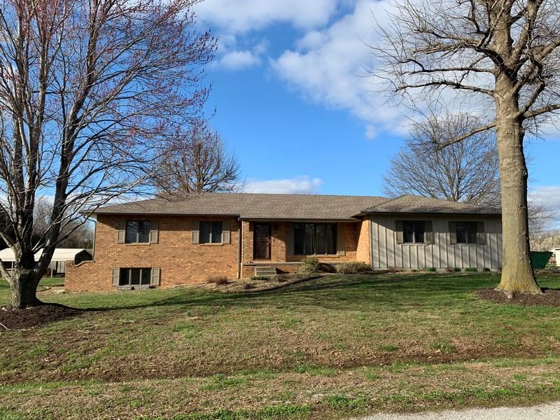 Home With Acreage For Sale in El Dorado Springs, MO