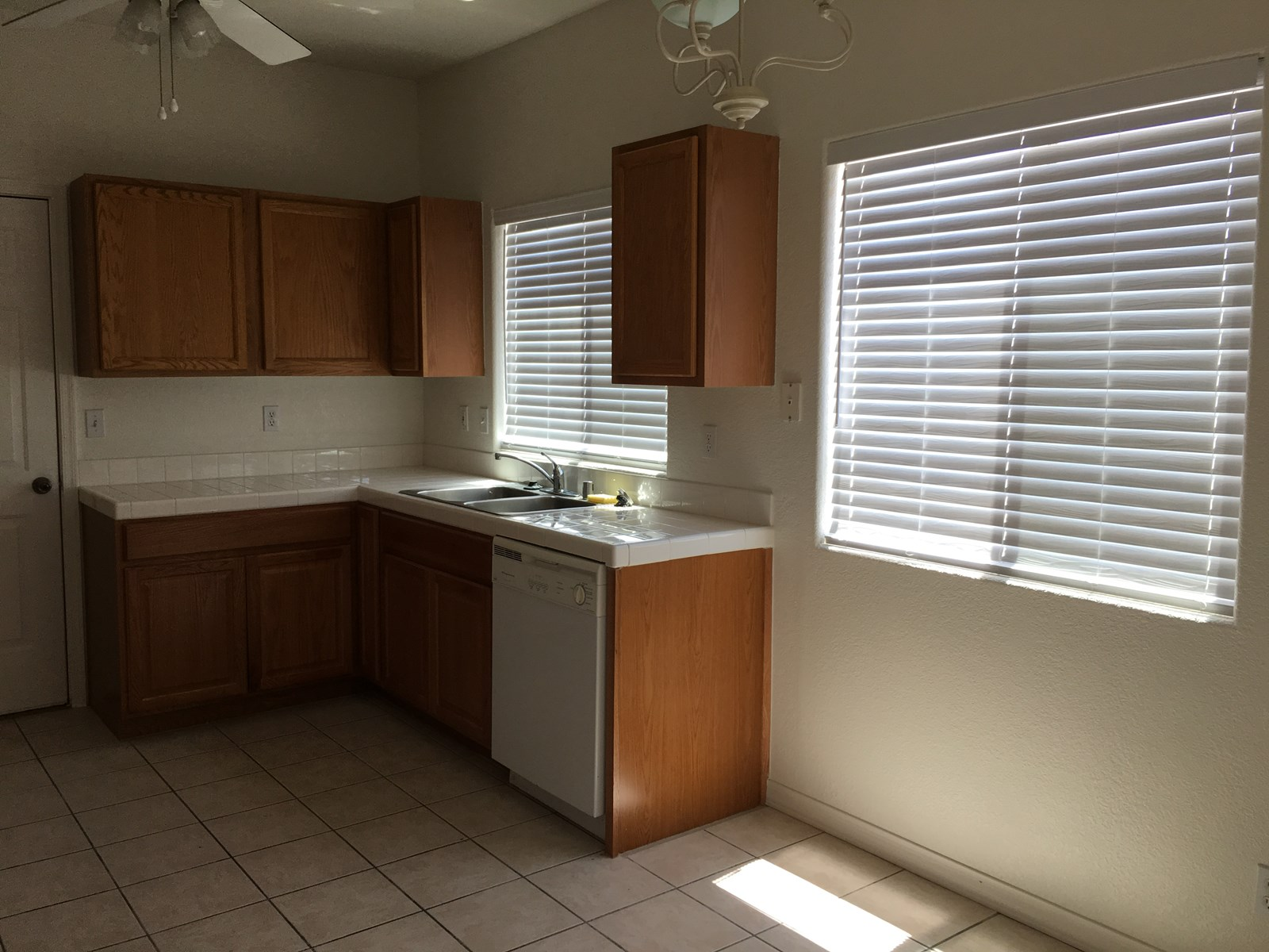 Kitchen w/ dining area