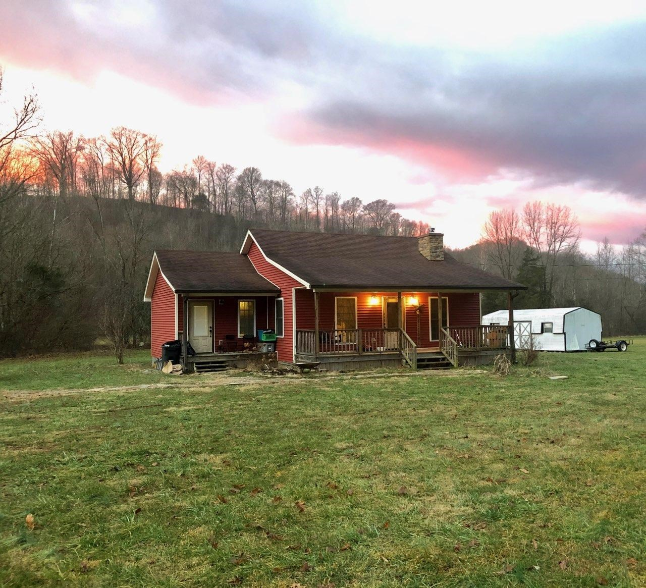 Country home in the beautiful hills of Casey County Kentucky