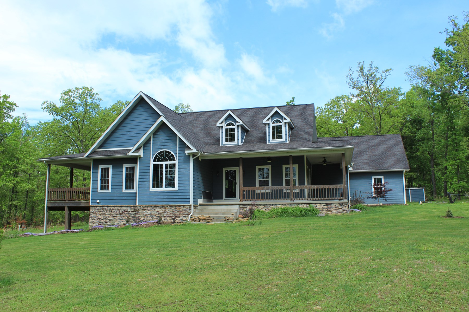 Country Home For Sale in West Plains!
