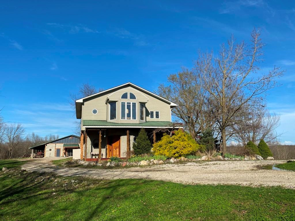 2 Country Homes with an Event Center, Shop & Office in MO