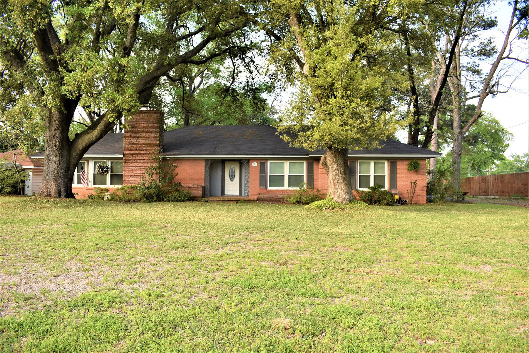 Lovely Home in Town - Centerville, Tx