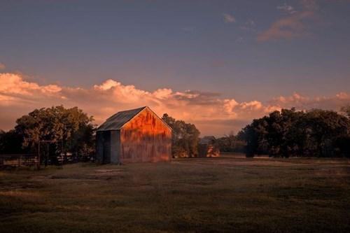 Cabin with Acreage for Sale Near Johnson City, Texas