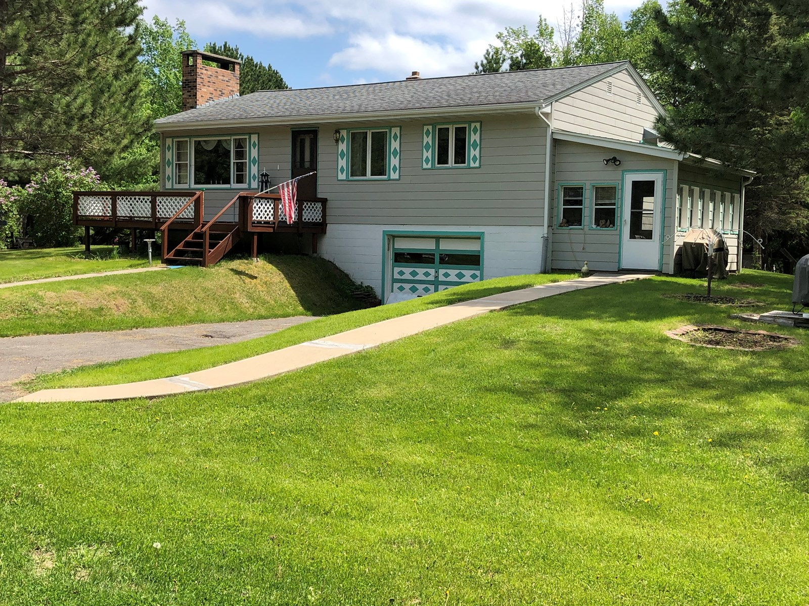 Country home for sale in Int'l Falls, MN