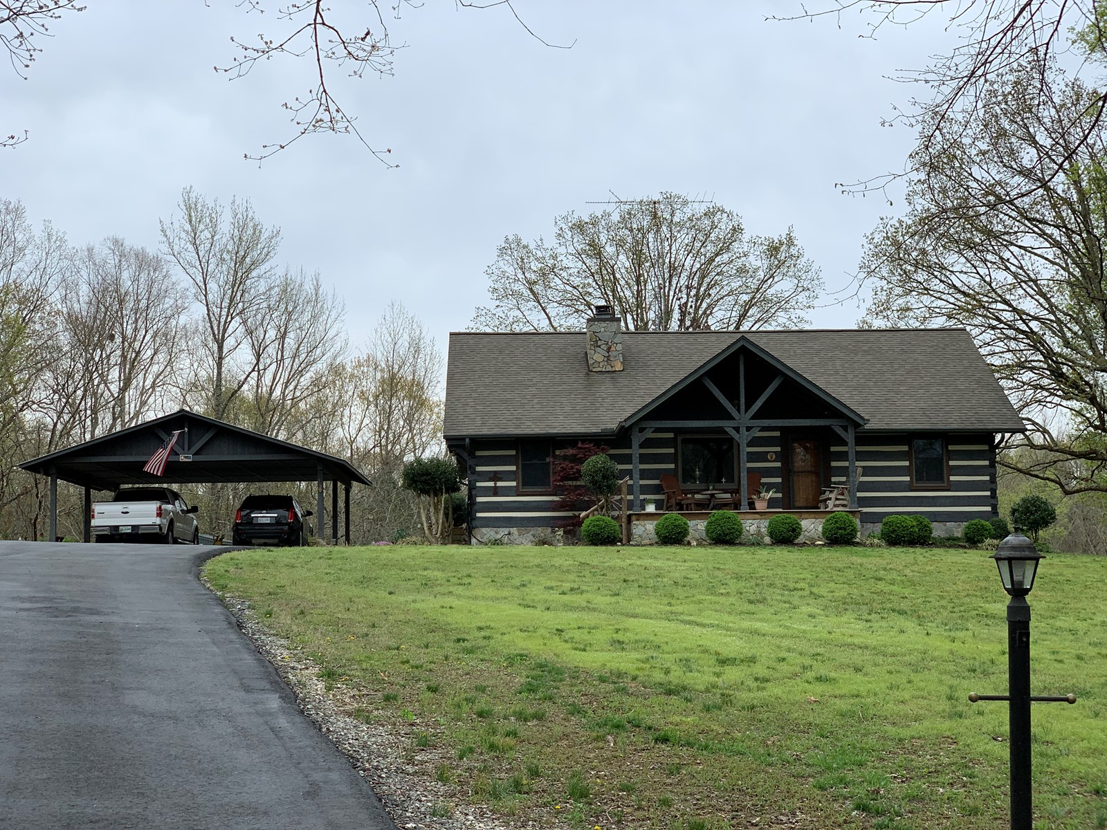 LOG HOME FOR SALE, CAMDEN TENNESSEE, NEAR KY LAKE & TN RIVER
