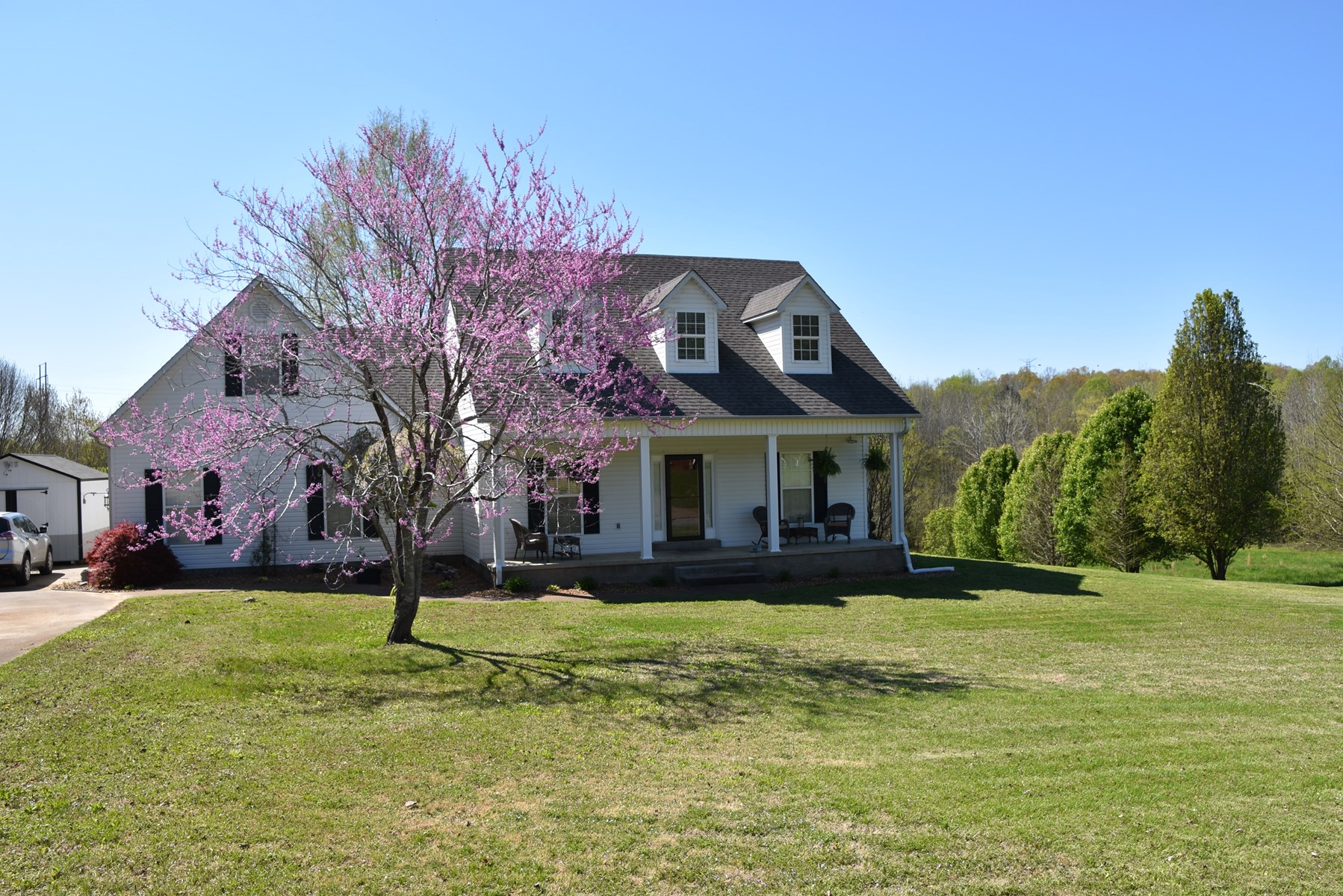 Country Home on 1.25 acres