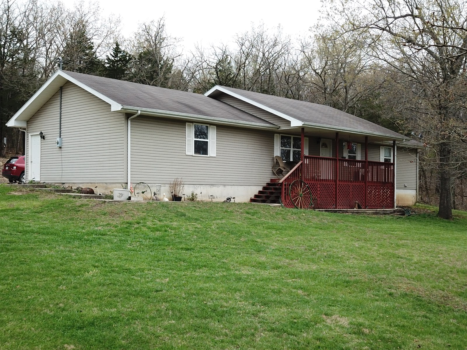 Home for Sale on 3.4 acres, Hermitage, MO Hickory County