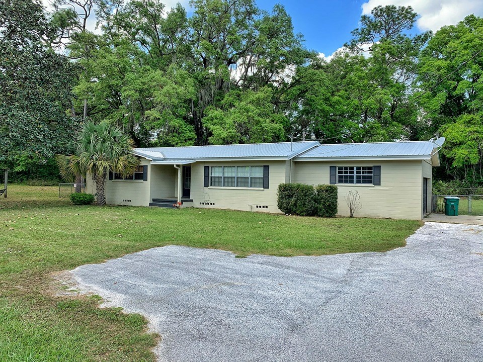 HOME FOR SALE IN TOWN - CHIEFLAND FLORIDA LEVY COUNTY