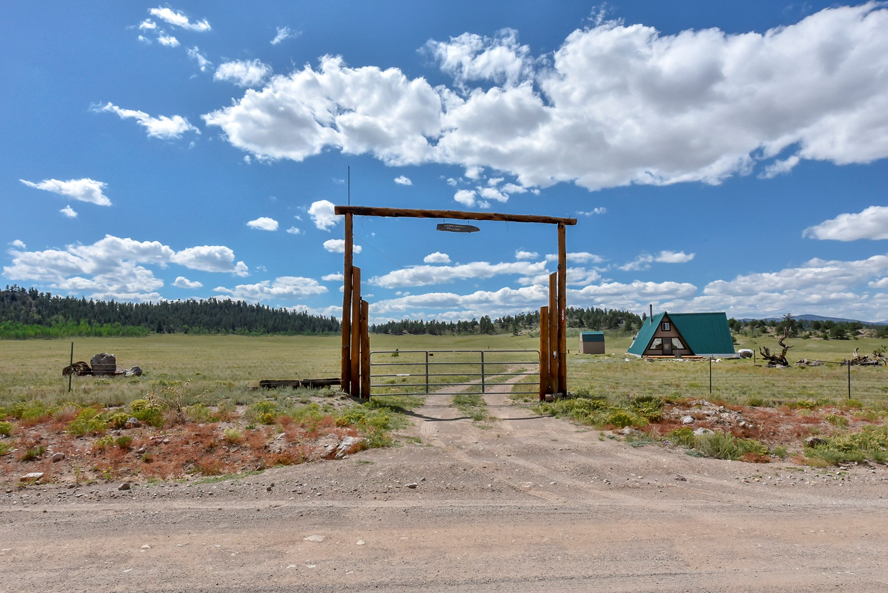 Sustainable Off-Grid Home For Sale in Hartsel, Colorado