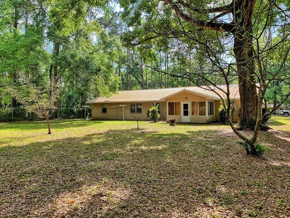HOME FOR SALE IN CITY LIMITS - CHIEFLAND FLORIDA - LEVY CO