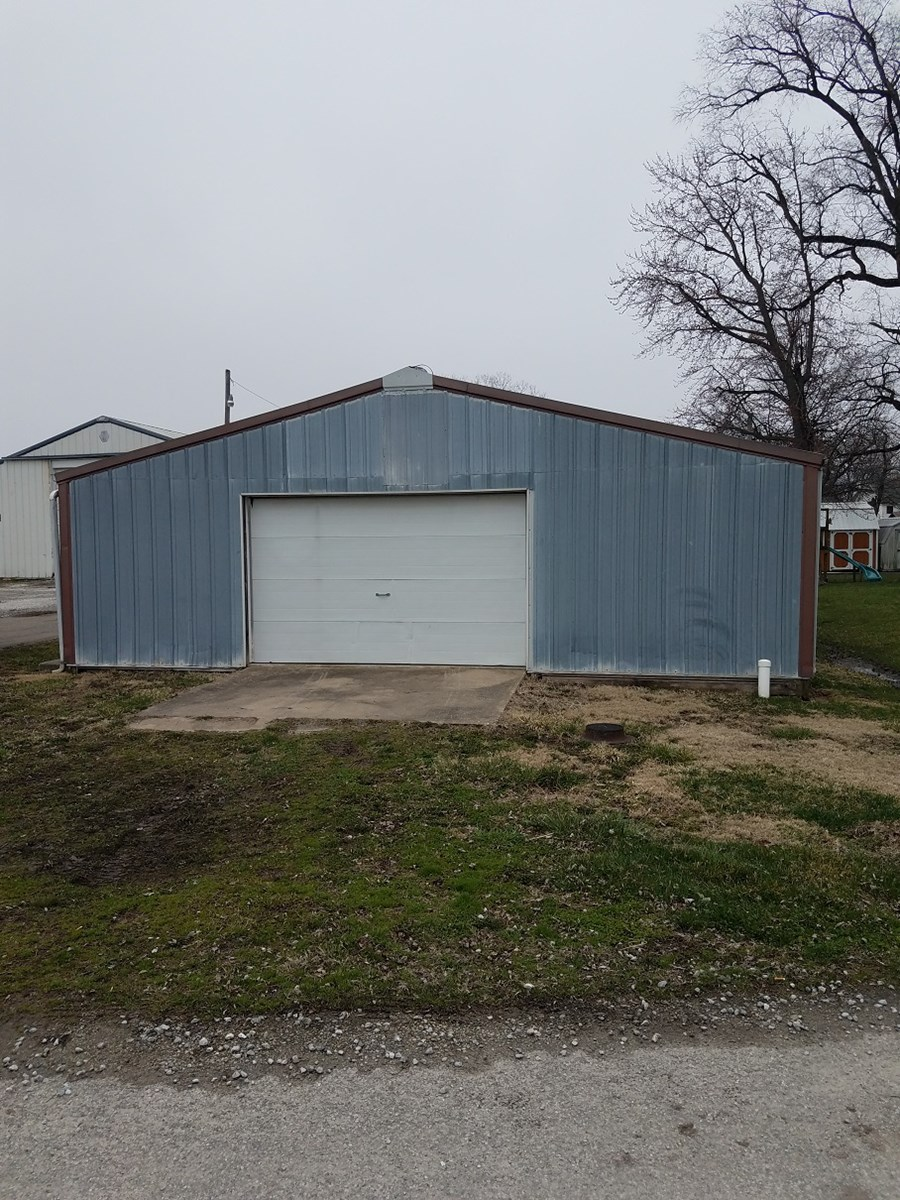 Potential Commercial Lot with Ag Building
