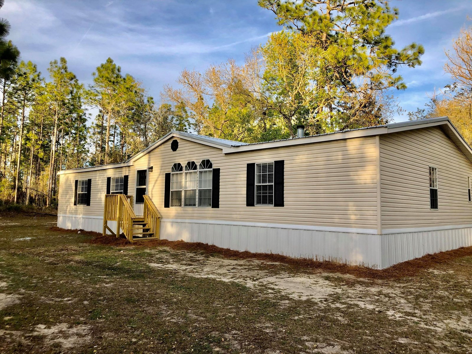 BEAUTIFULLY REMODELED 3/2 D/W MOBILE HOME in Bronson, FL!