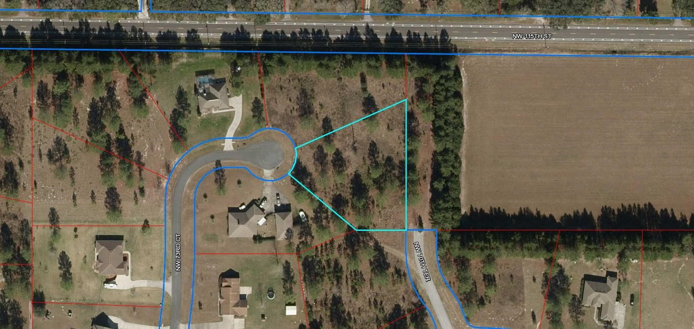 1 acre lot in Buck Bay Subdivision in Chiefland, FL