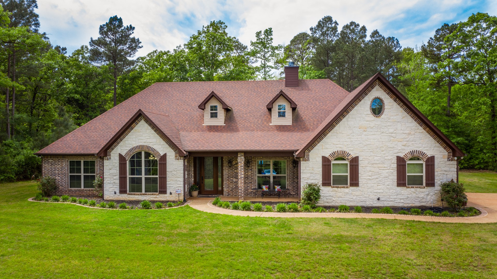 Texas Country Home For Sale in Longview!