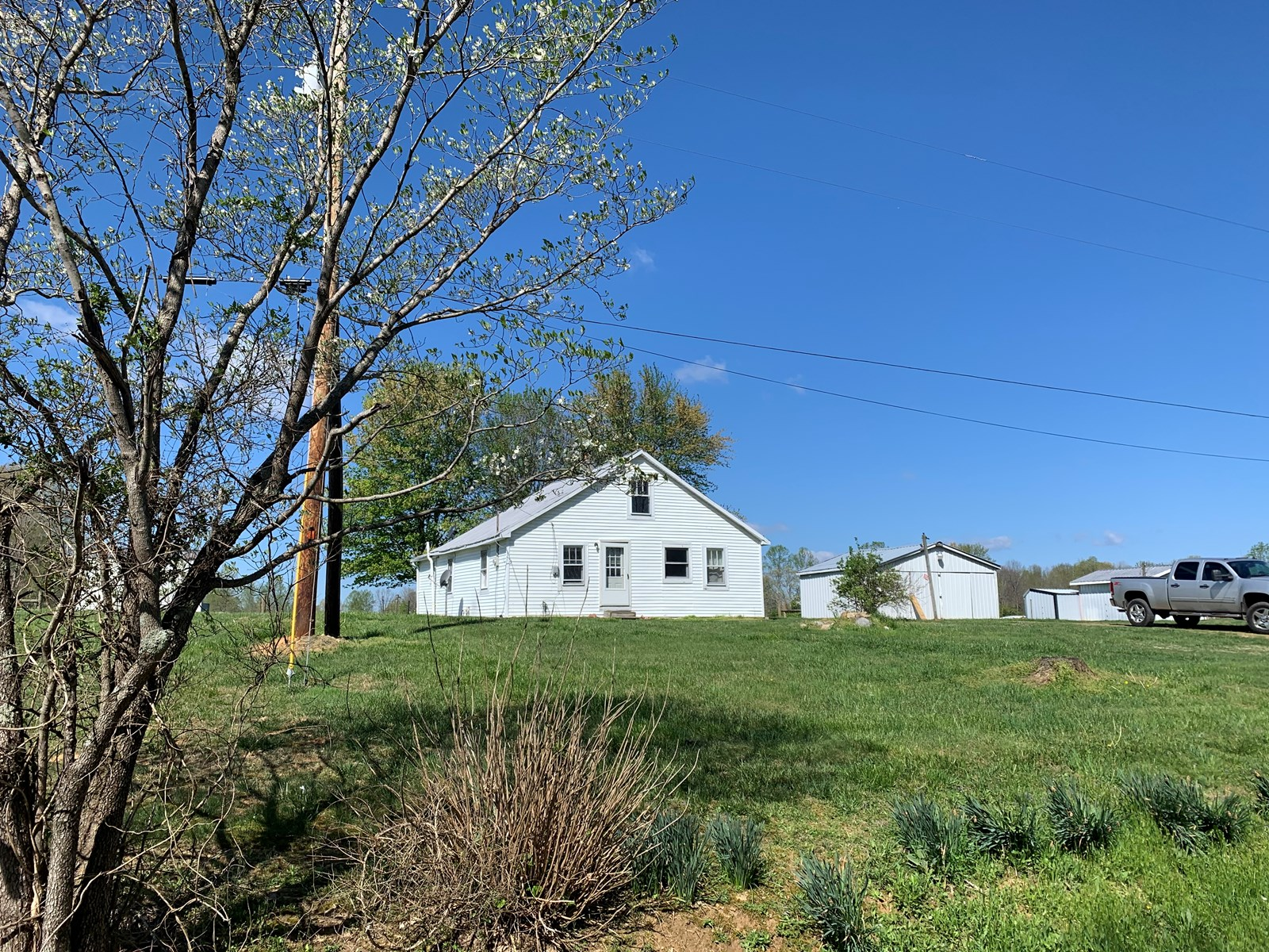 COUNTRY HOME W/OUTBUILDINGS-RENTAL PROPERTY-DUNNVILLE, KY.