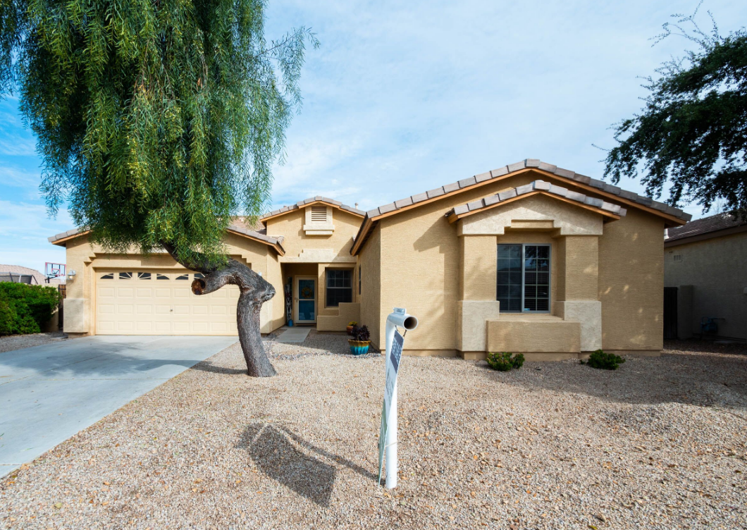 4 BEDROOM HOME ON GOLF COURSE IN QUEEN CREEK AZ