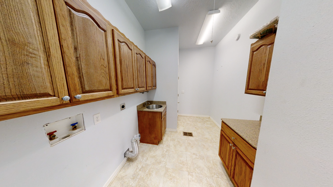 Utility Room with Sink