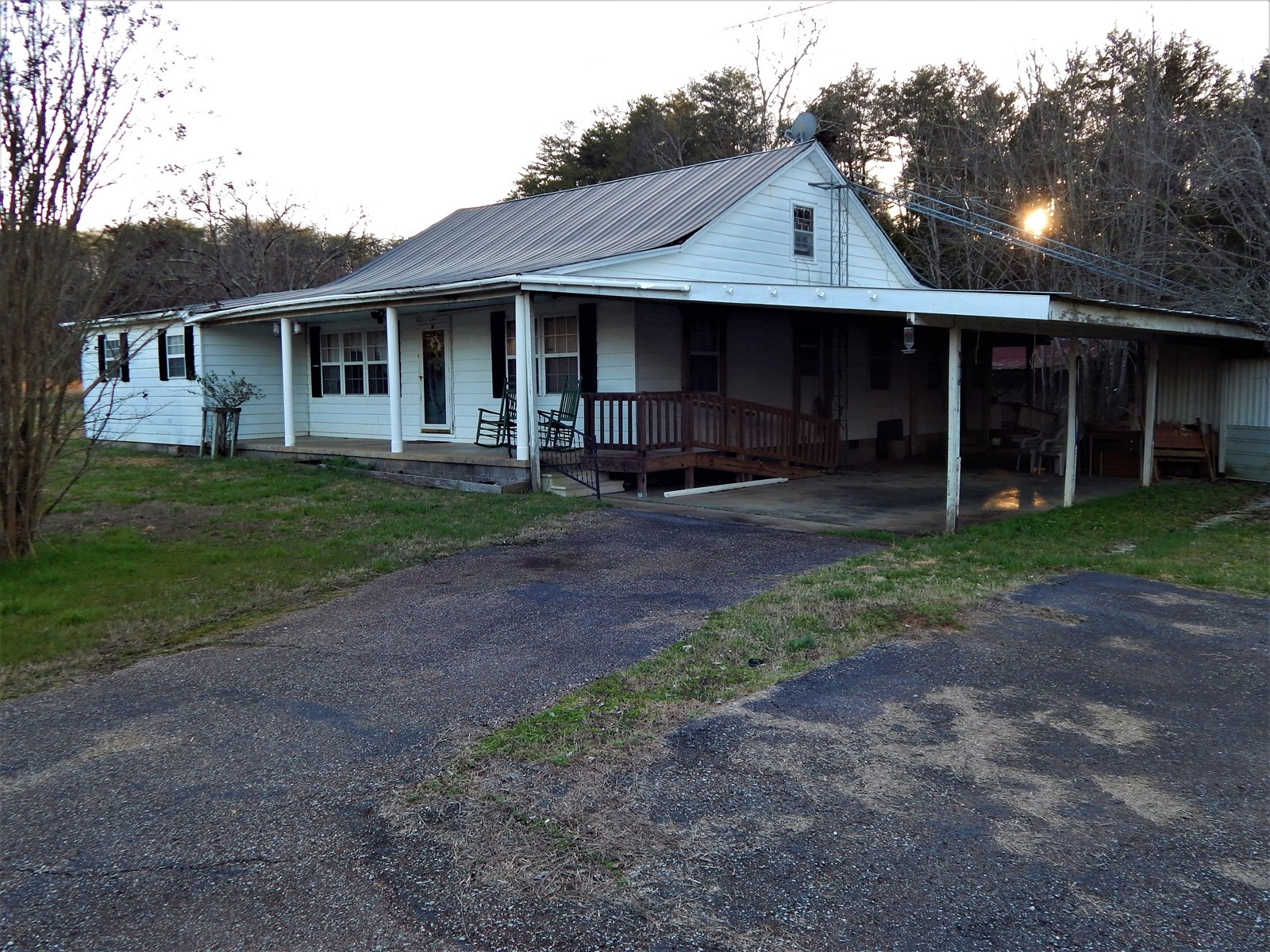 Tennessee Country Home For Sale On 15.5 Acres!!