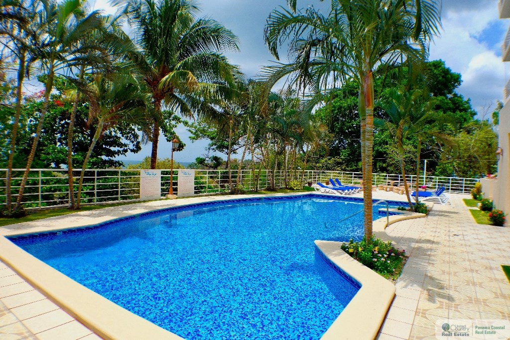 Panama Resort Style Pool