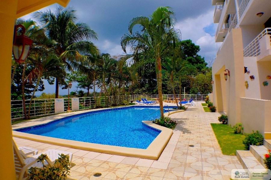 Panama Oceanfront Pool