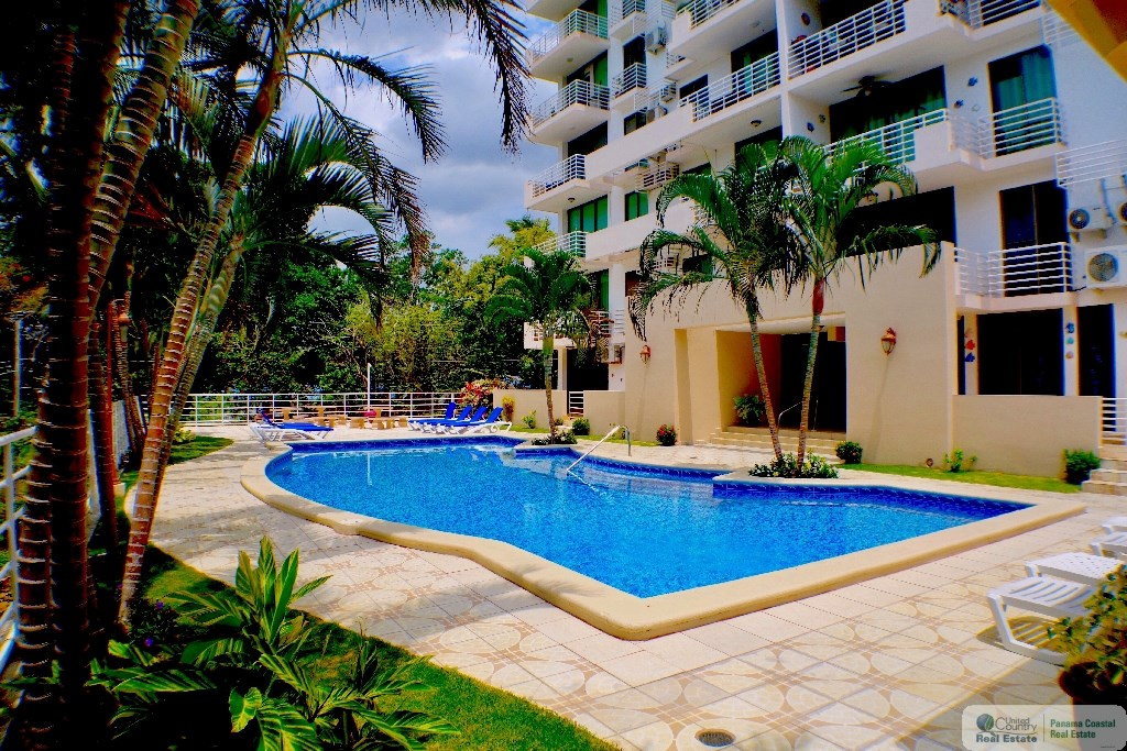 Gorgona Panama Pool