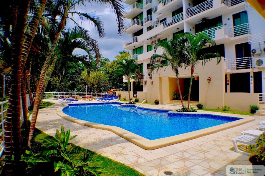 Gorgona Panama Pool