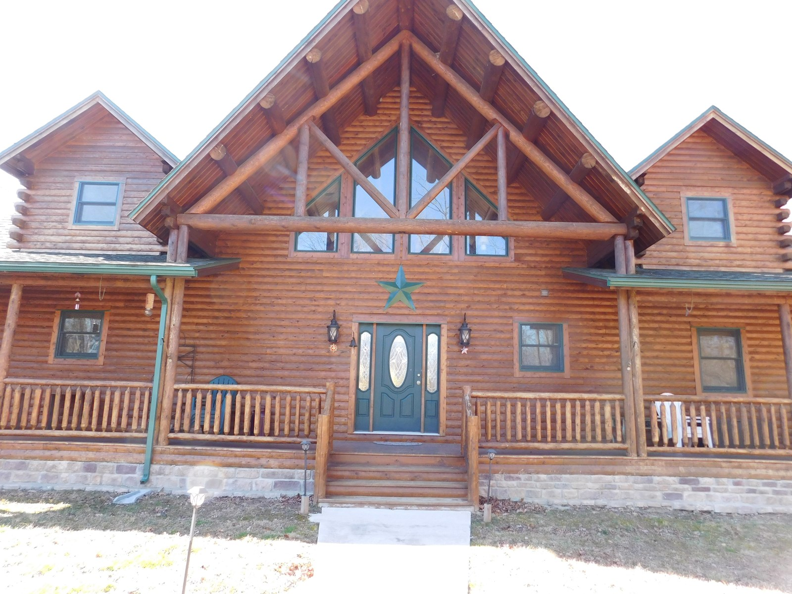 Absolutely Stunning Log Home on 28 acres!
