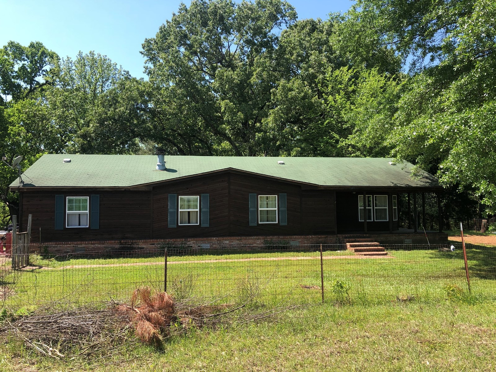 East Texas Country Home on acreage with Pond, Cass Co. TX