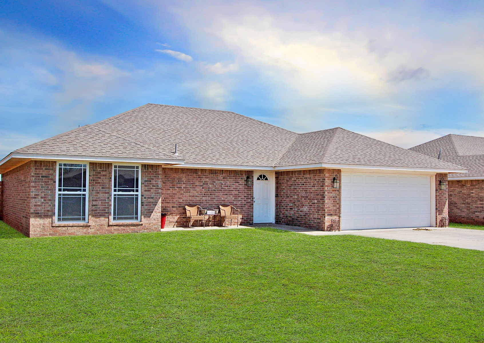 HOME FOR SALE IN ELK CITY WITH 3 BEDROOMS 2 BATHS