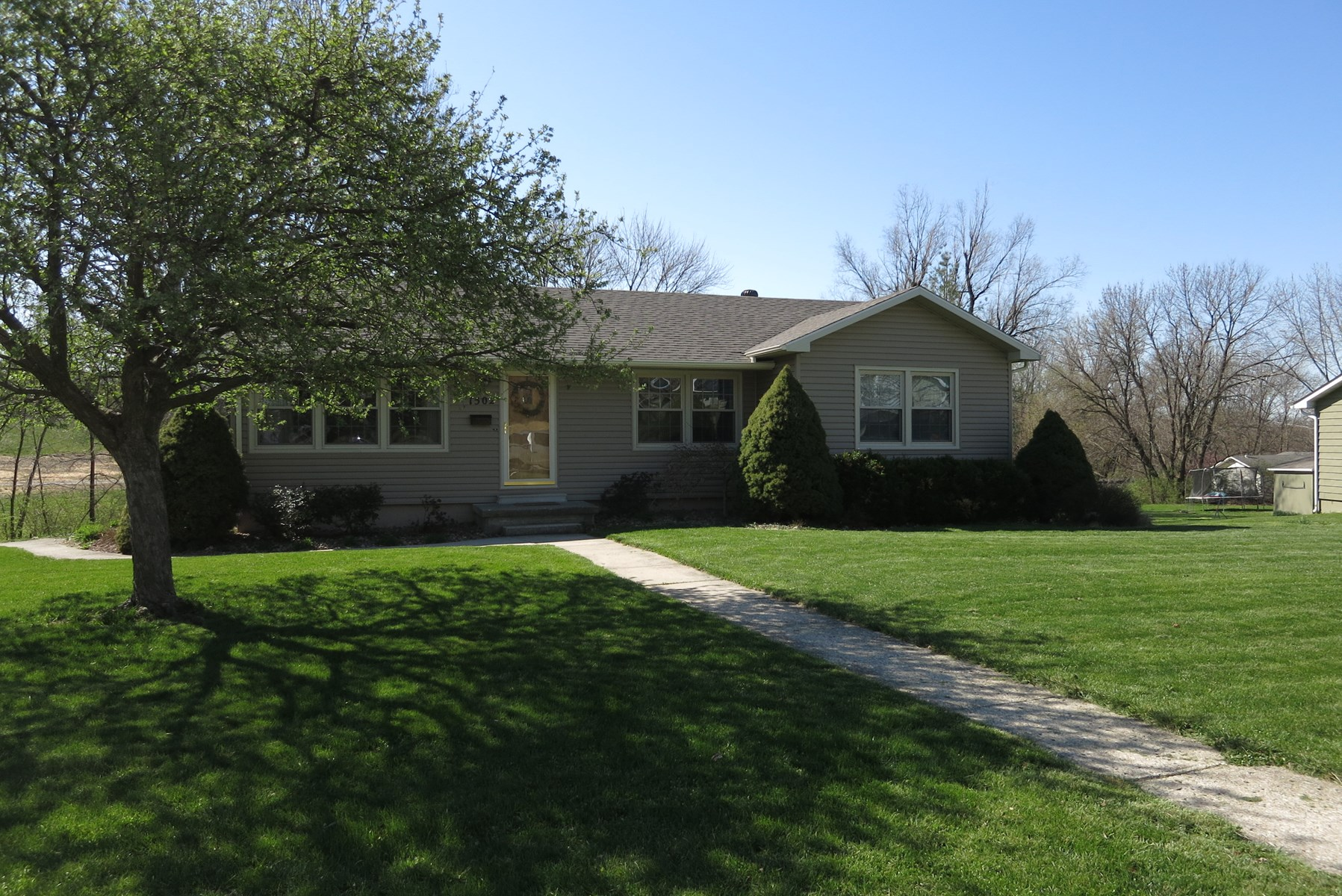 Nice Ranch Home For Sale in Bethany