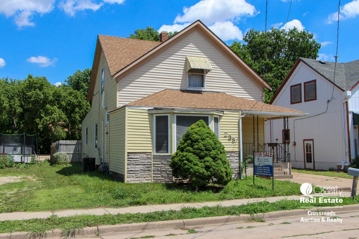 Salina Kansas Home For Sale at 235 S. Clark Street