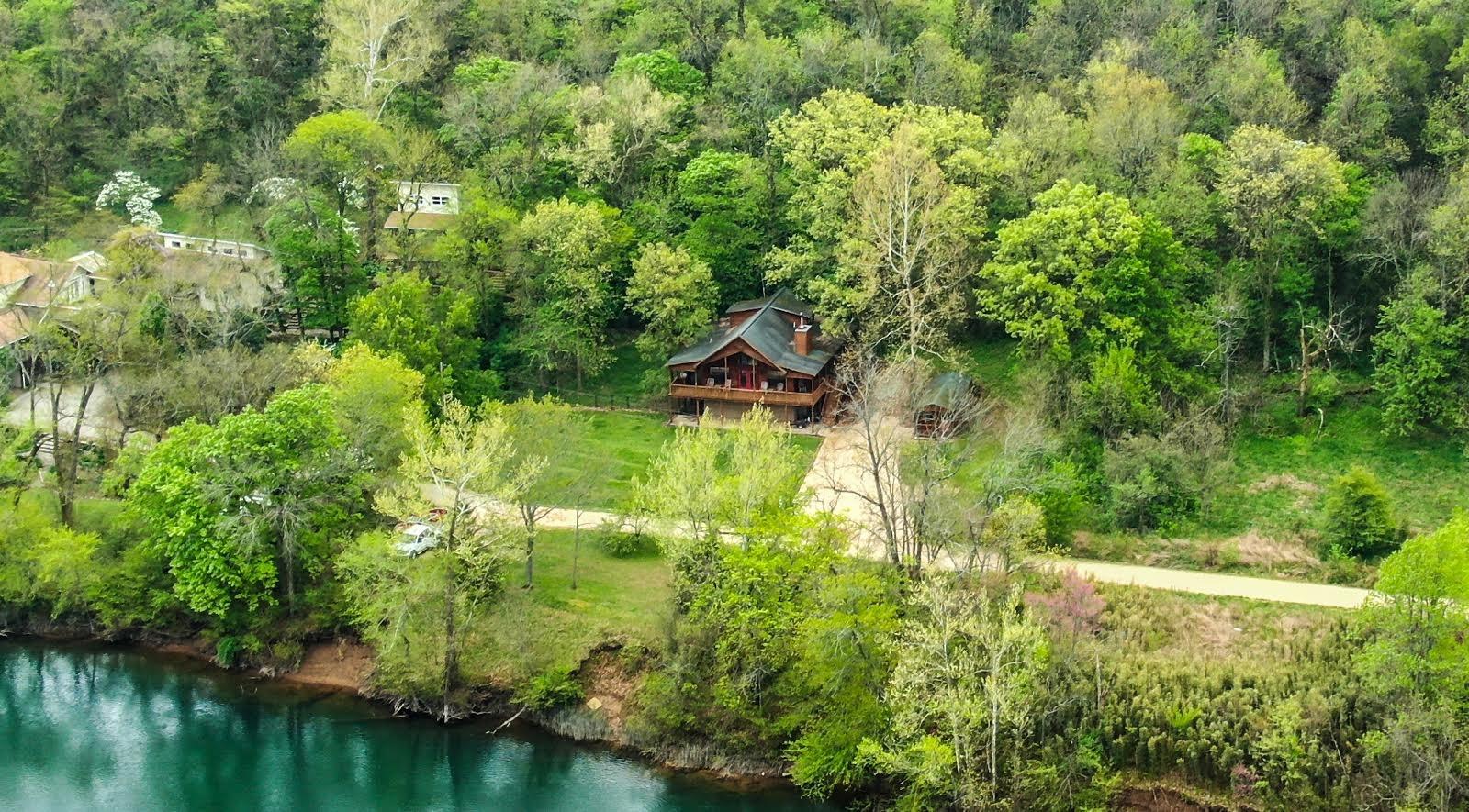 Northwest Arkansas White River Cabin