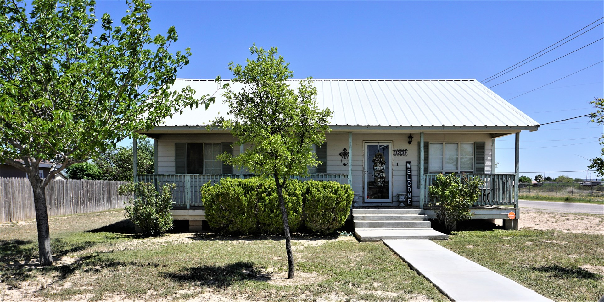 JUST LISTED! 1300 N ROONEY - CORNER LOT FORT STOCKTON, TX