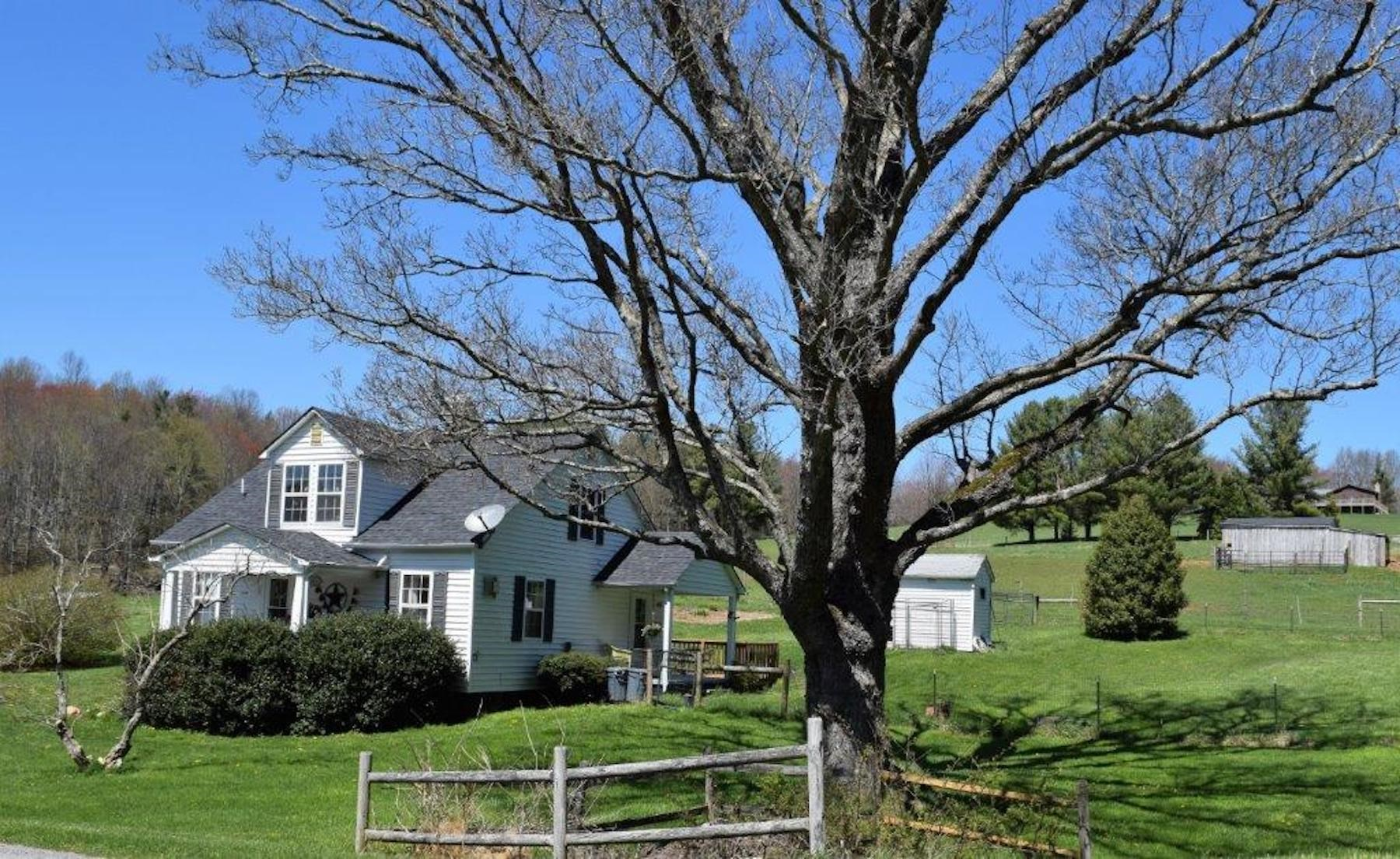Sweet Country Home for Sale in Willis VA!