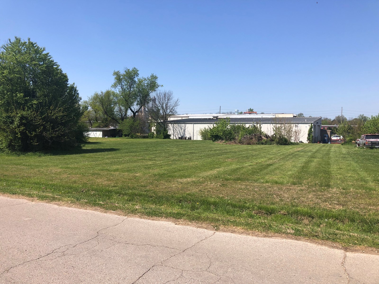 Lot For Sale In West Plains, MO!