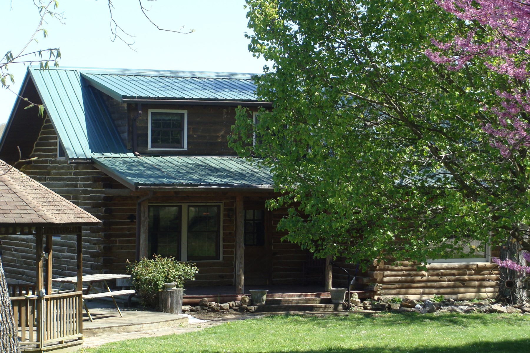 Farm, Hunting Land & Log Home For Sale in Dent County, MO