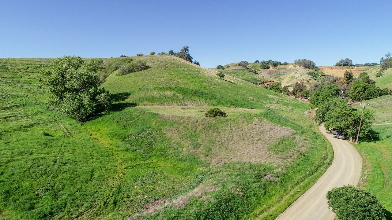 Northern California 5+ Acre Building Parcel For Sale