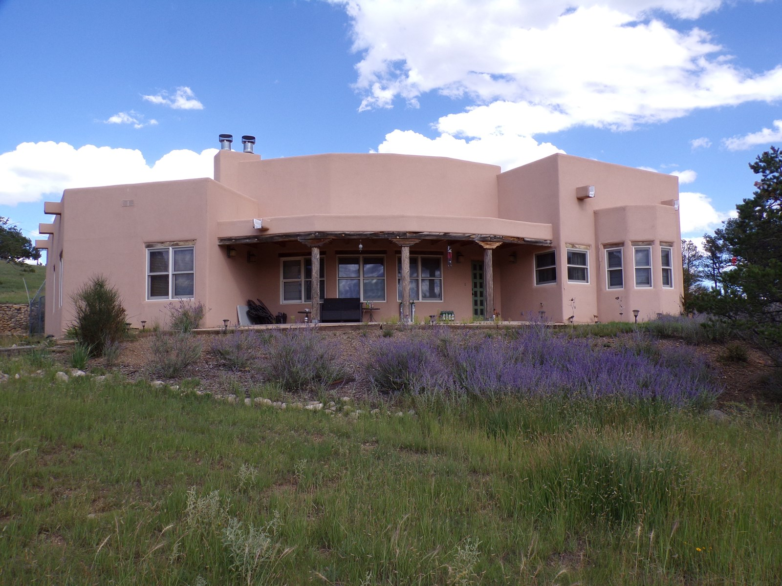 Southwest style home located in Alto, NM horse property