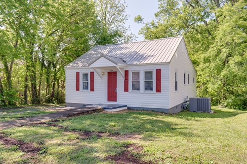 Renovated Cottage Home for Sale, in Columbia, Tennessee